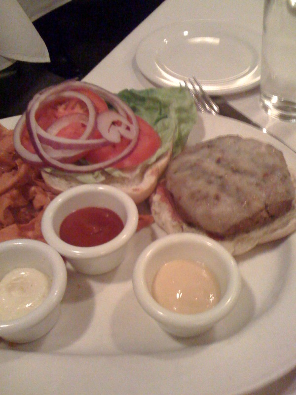 Faustina-Restaurant Chipotle Cheeseburger